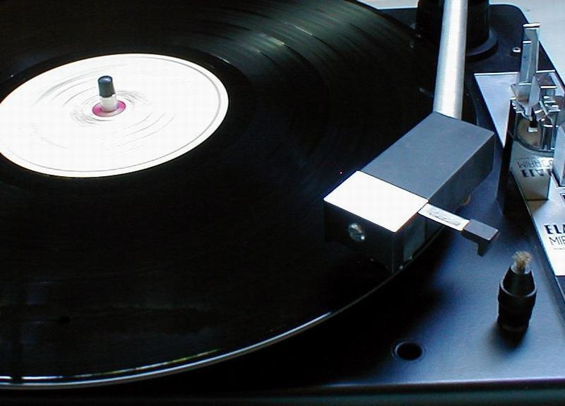 http://www.logodesignweb.com/stockphoto/objects/audio&video/lp.jpg
